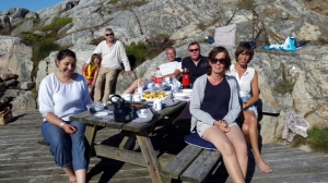 Nastja & ihr Mann Nils Helge mit Tochter. Helge, Calle, Unn und Anne Karin, Frau von Ramesh. Der macht das Foto und ich --- bin wohl hinterm Busch ;)